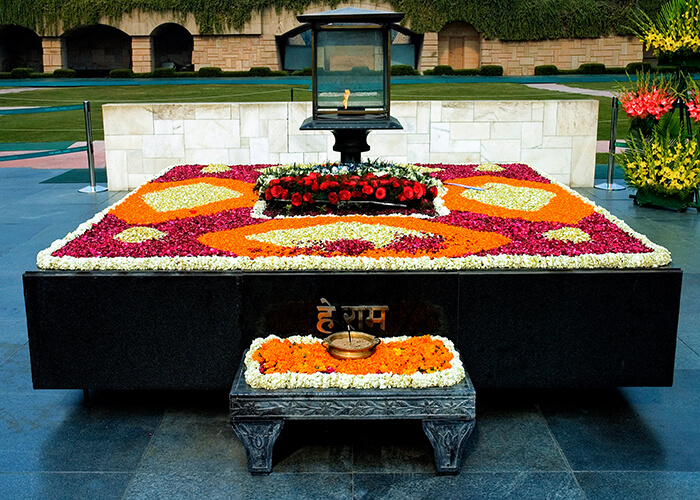 tomb of mahatma Gandhi