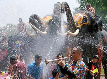 جشن آب تایلند Songkran
