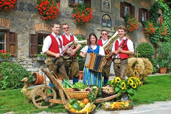 فرهنگ و آداب و رسوم مردم اتریش