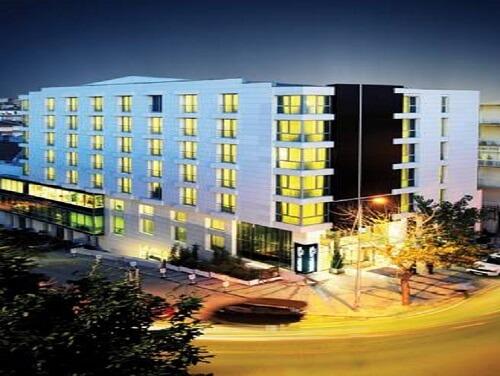 هتل Demora